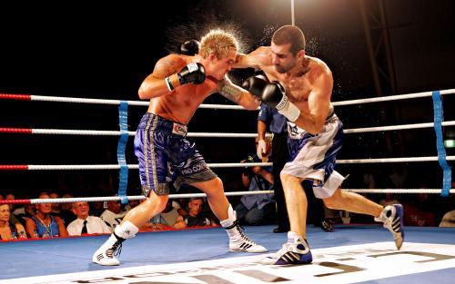 boks-boxing-ring-muzhchiny-udar